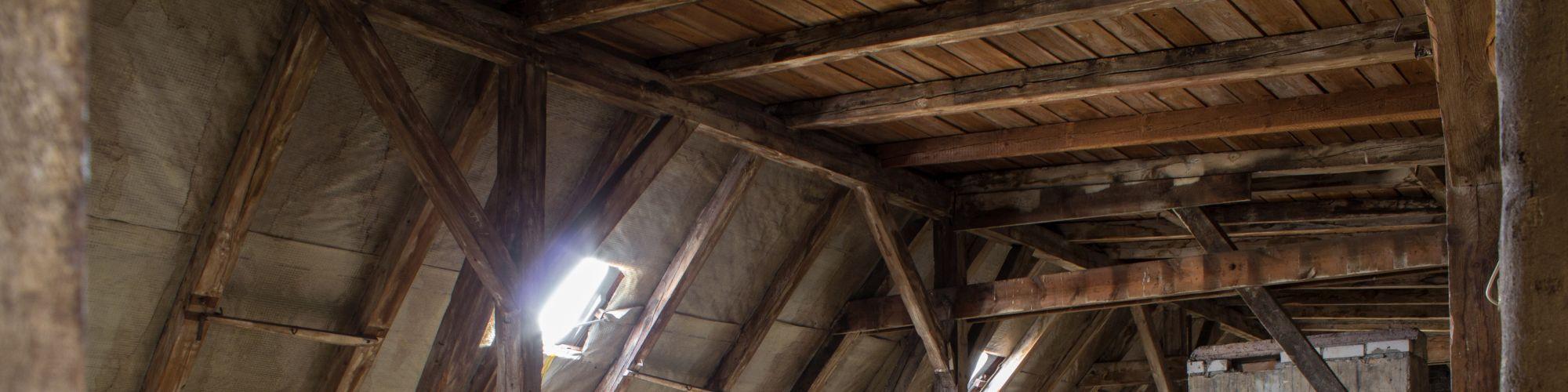 Holzschutzmittelbelasteter Dachstuhl